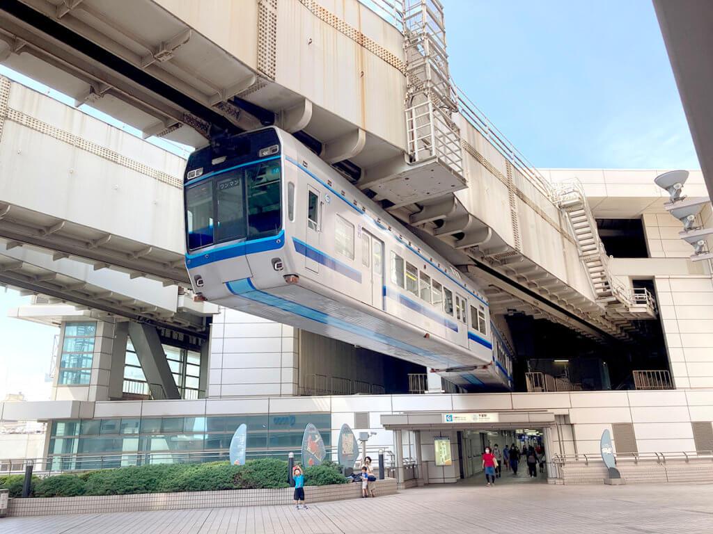 JR各線と京成線、そごうを跨ぐ千葉都市モノレール
