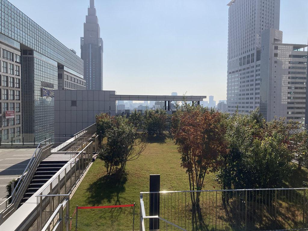 NEWoMan新宿 屋上庭園