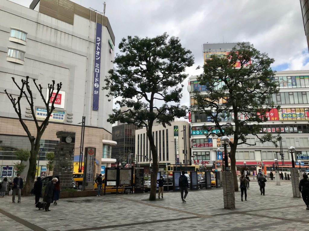 本厚木駅北口 駅前広場