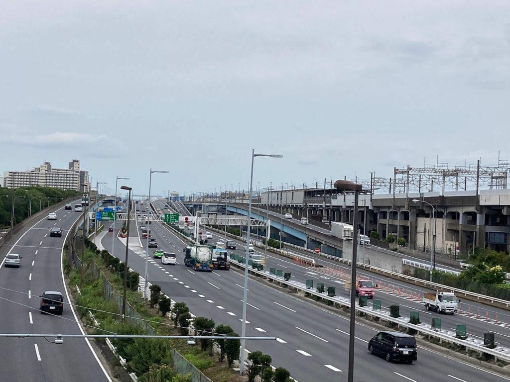 葛西臨海公園駅と首都高湾岸線・国道357号線